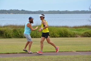 Shaun-kaesler-congratulating-Ben-Treasure-for-winning-100km-mens-